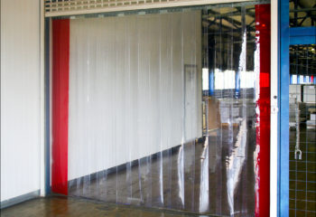 tenda a strisce in pvc trasparente